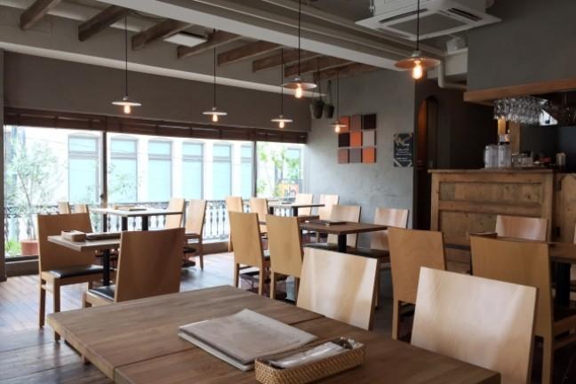 飲食店の開業資金として必要な金額や公庫への申込みのタイミング、オープンまでの流れを確認
